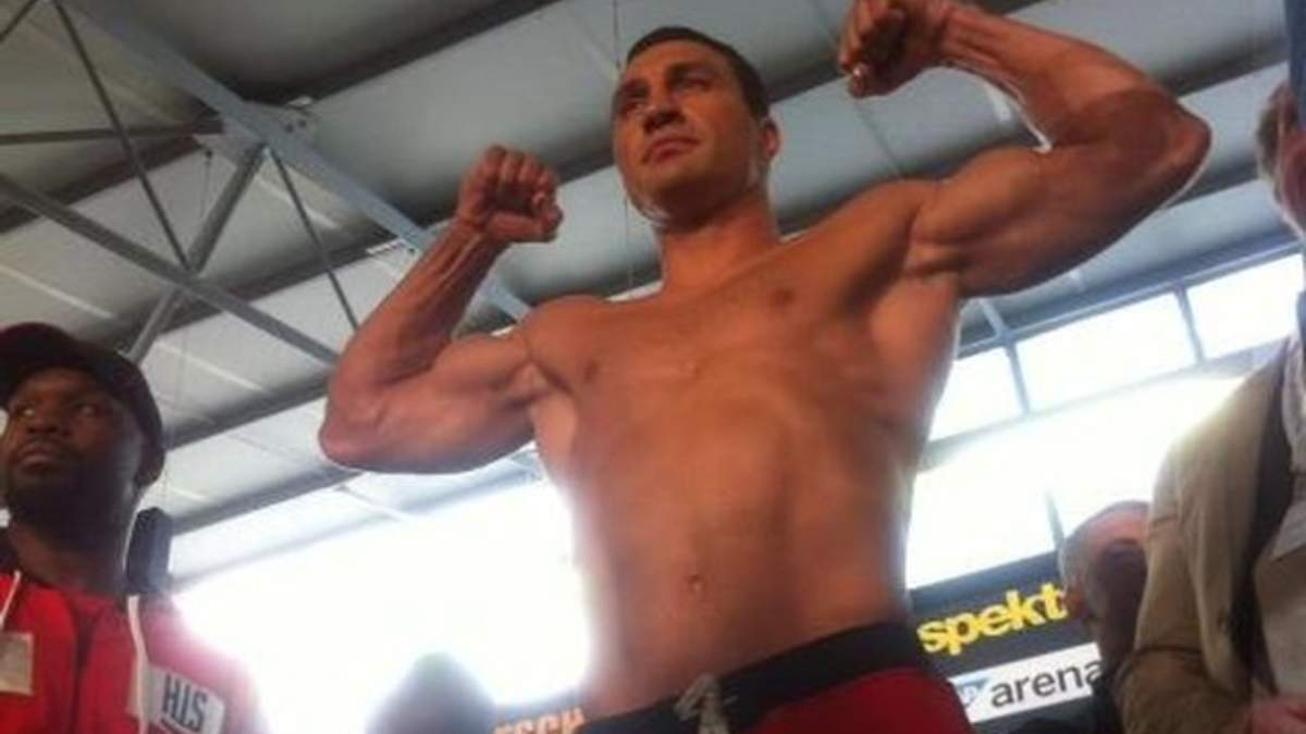 Кличко виявився важчим від П'янети на 4 кілограми (Фото, відео)