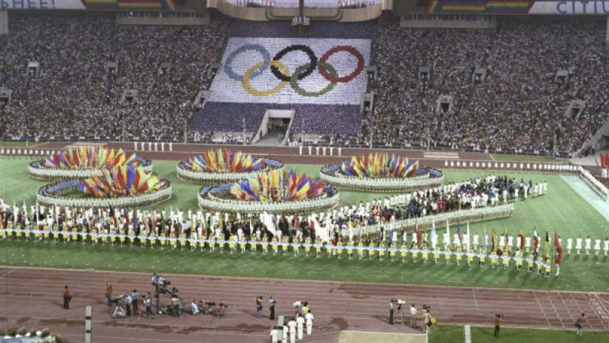 Олимпиада в Москве запомнилась грандиозным скандалом