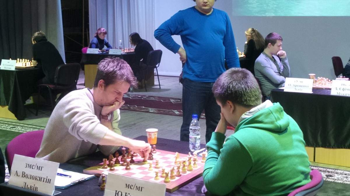 Чемпионаты Украины по шахматам – на экваторе
