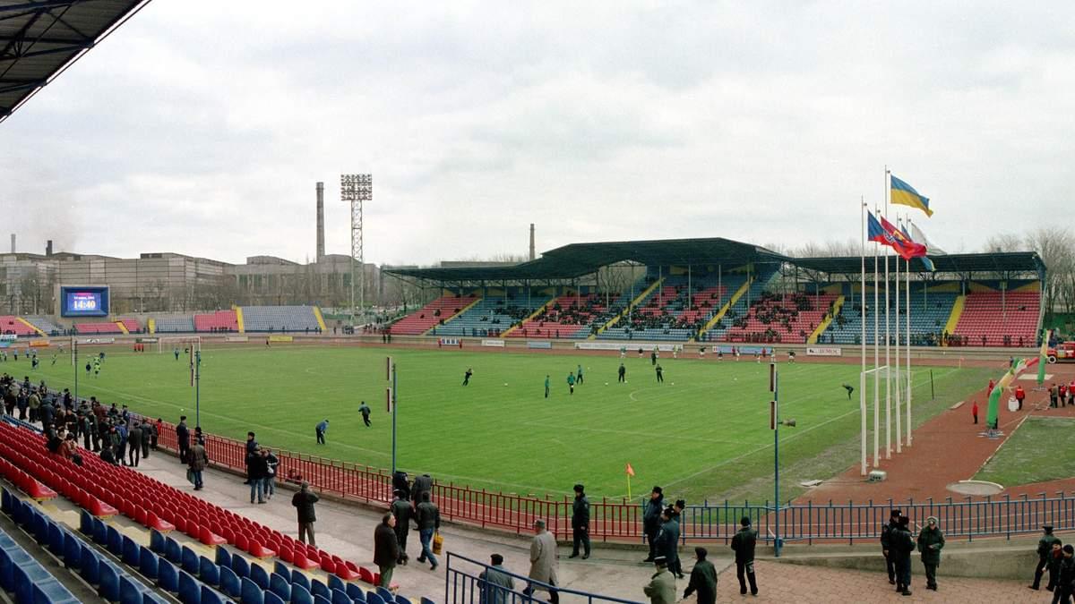 У зону АТО повернувся великий футбол: до Маріуполя завітала команда з заходу