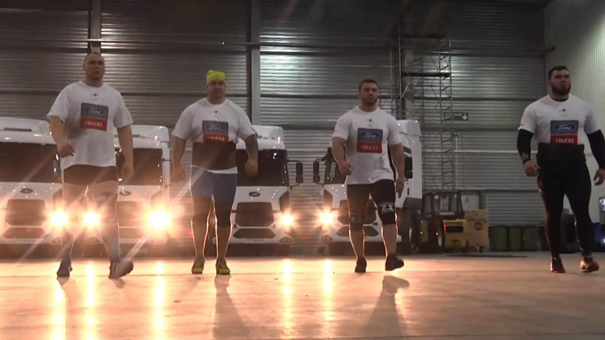 Четверо украинских стронгменов установили рекорд Украины: сильное видео