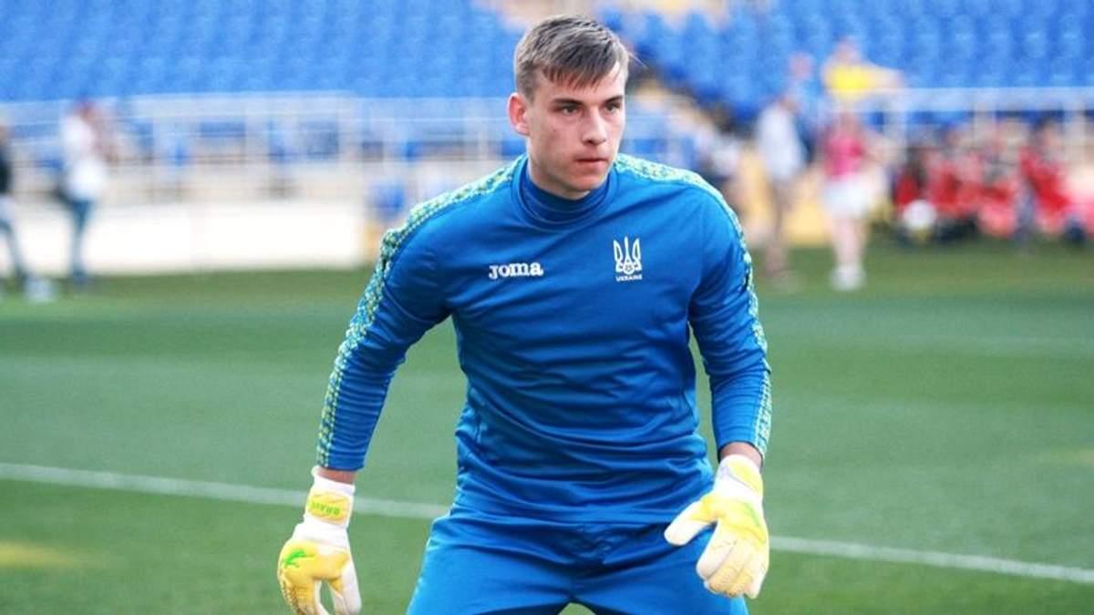 """Українця Луніна офіційно представили у якості гравця мадридського """"Реалу"""": відео"""