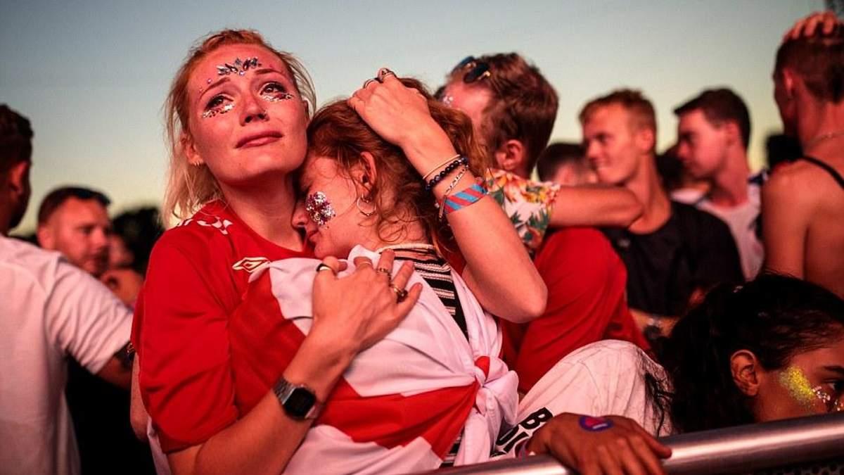 Англійські фанати не змогли приховати своє розчарування після програшу збірної