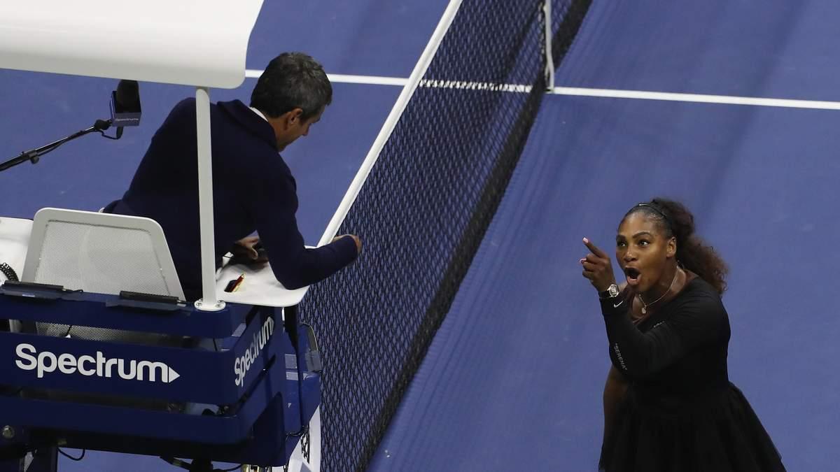 Серена Уильямс спорила с судьей матча и обвинила его в сексизме