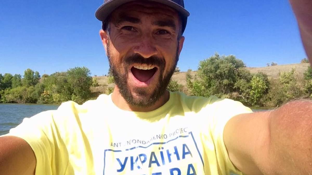 Антон Бондаренко проплыл на сапборде из Киева в Одессу