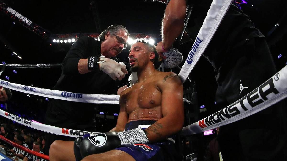 Непереможний американець може повернутися в ринг заради бою з Джошуа або Усиком