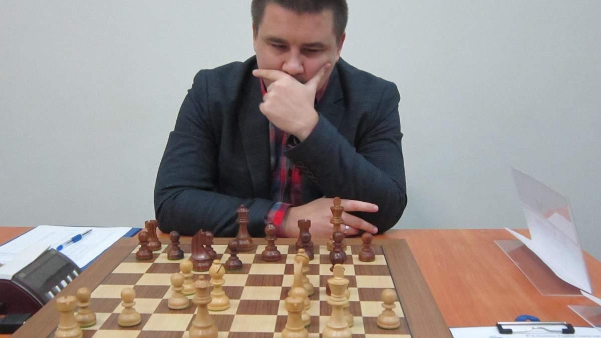 На чемпионатах Украины по шахматам – двоевластие