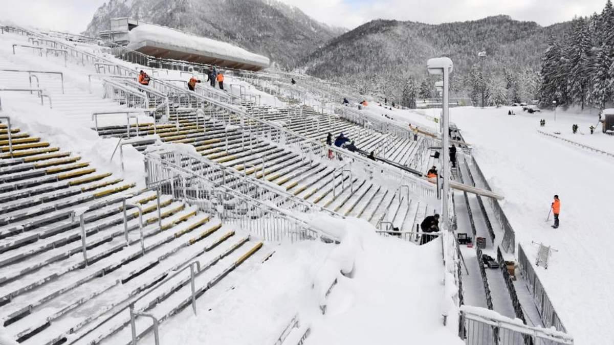 Негода на стадіоні в Рупольдінгу