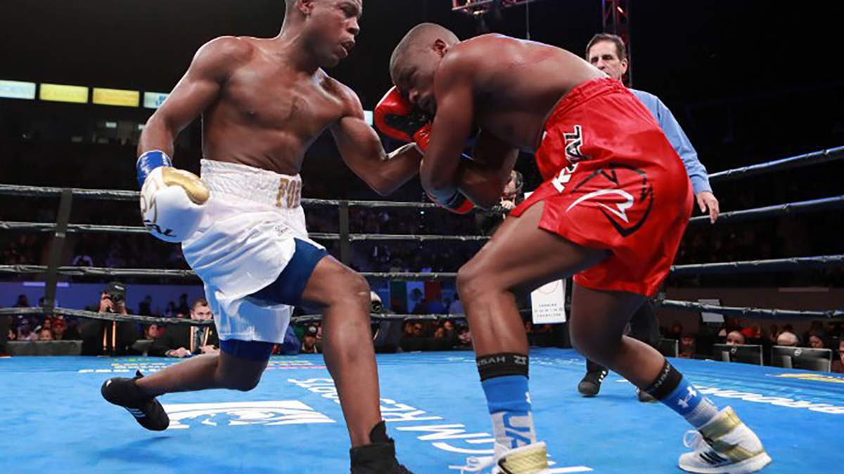Екс-чемпіон WBA побив домініканського боксера й заявив, що готовий до бою з Ломаченком: відео