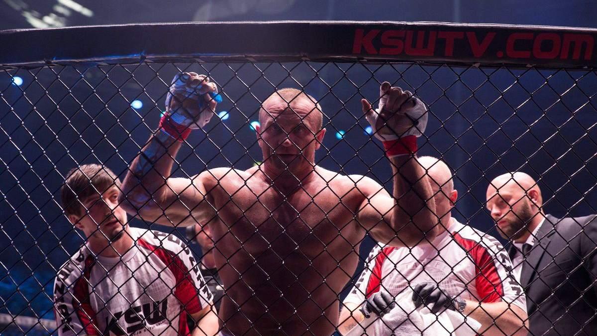 Стронгмен Пудзяновский и олимпийский чемпион провели жесткий бой по правилам MMA: видео