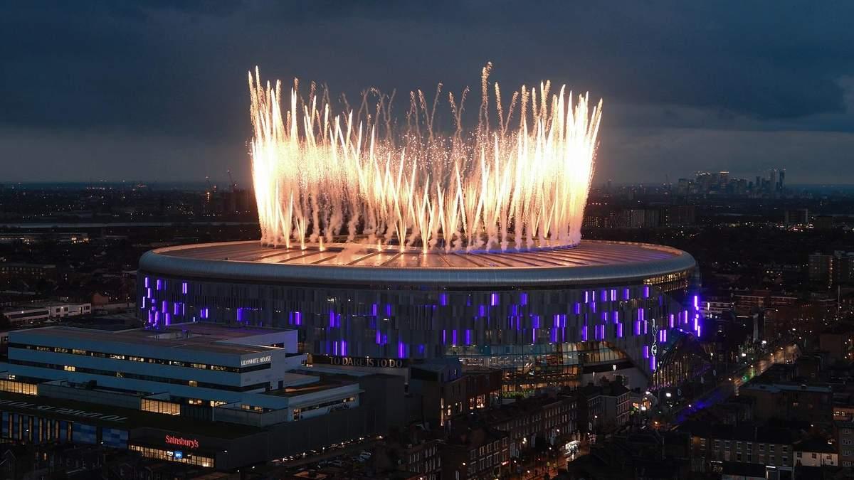 """""""Тоттенхэм"""" грандиозно и с огнем открыл новый стадион: видео"""