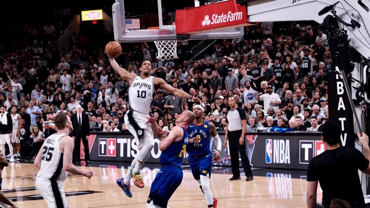 Баскетболіст нахабно кинув м'яч у суддю, за що був вигнаний з майданчика: відео