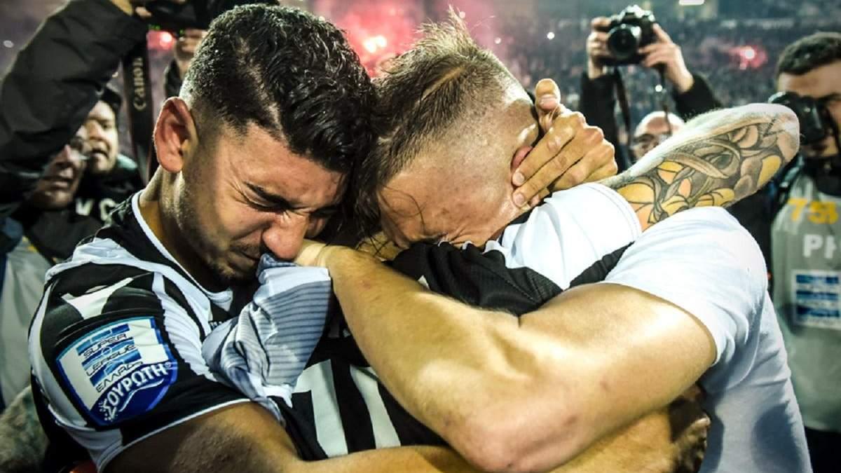 Як українські футболісти святкували перше за 34 роки чемпіонство у Греції: емоційні відео