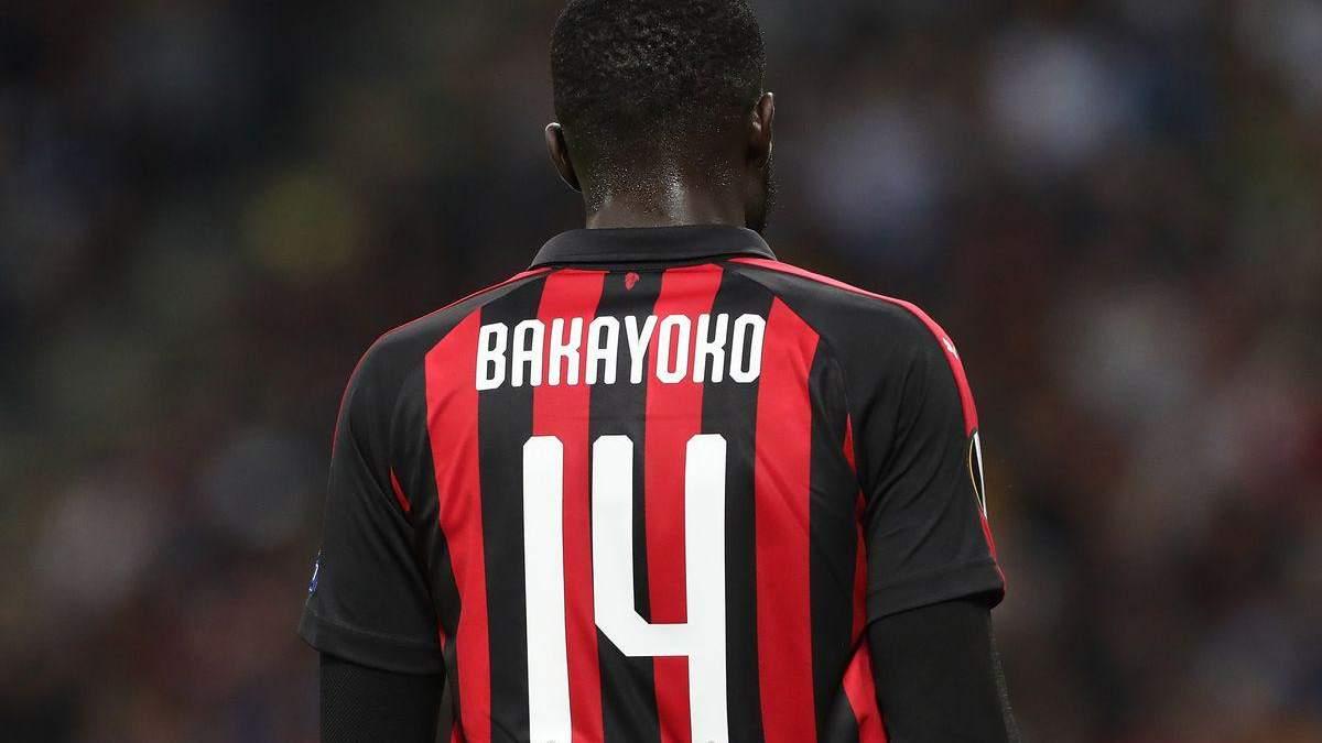 """Тренер """"Мілана"""" жорстко покарав команду через спізнення гравця на тренування"""