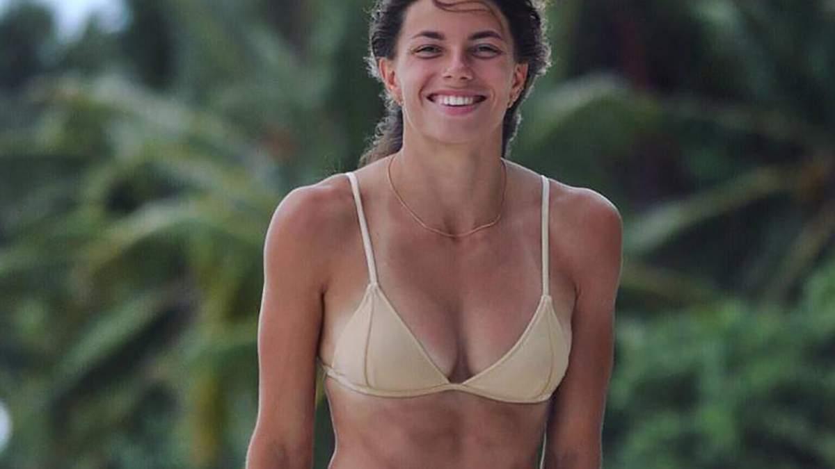 Бех-Романчук поділилася спокусливим фото в яскравому купальнику