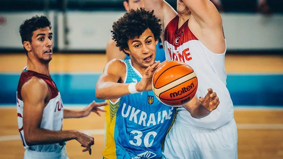 Баскетболист сборной Украины тренируется с командой НБА