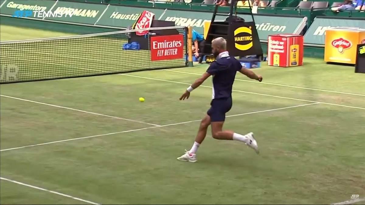 Жо-Вилфрид Цонга и Бенуа Пе сыграли в теннис ногами
