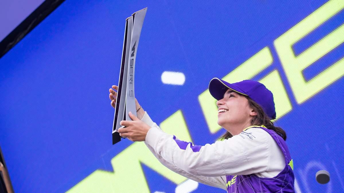 Джейми Чедвик стала первой победительницей женской Формулы-1