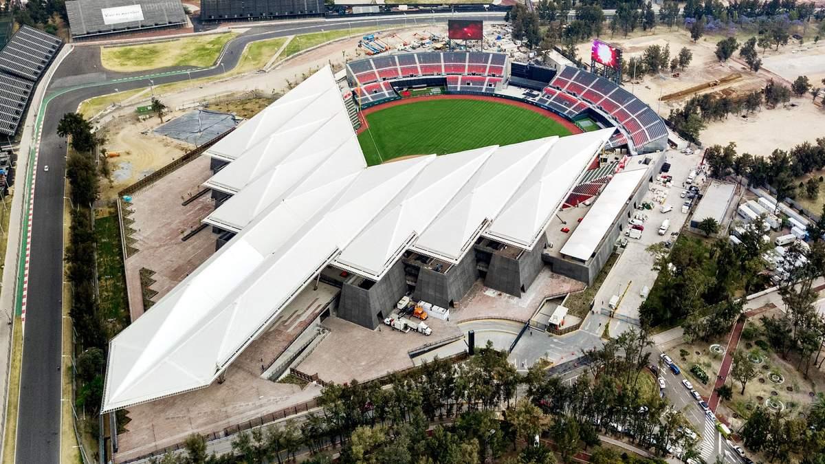 """Стадіон """"дияволів"""": чим вражає унікальна спортивна споруда у Мехіко"""
