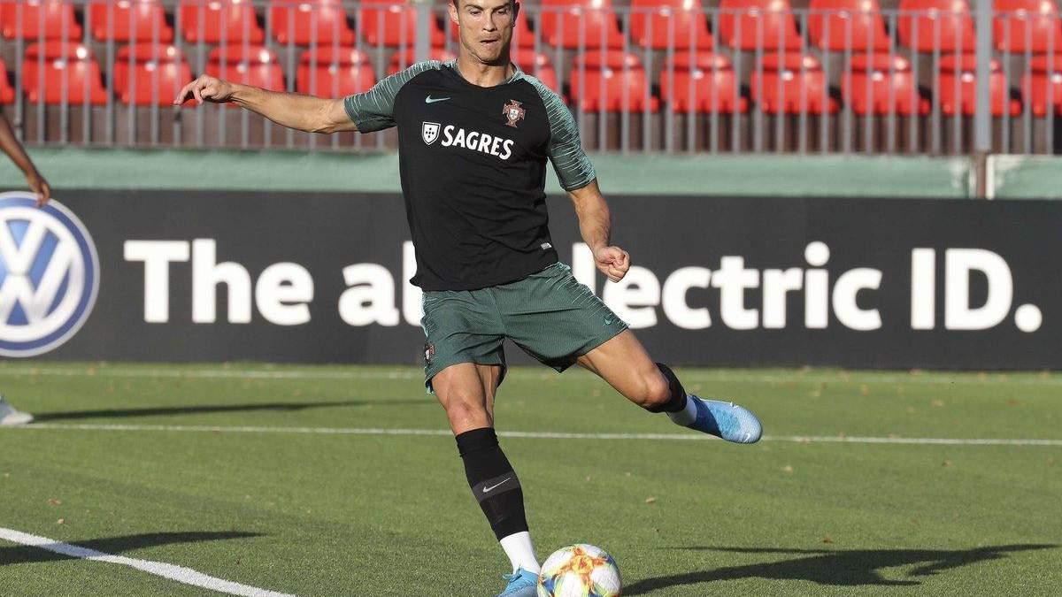 """Роналду продемонстрував """"космічну"""" техніку на тренуванні Португалії: відео"""