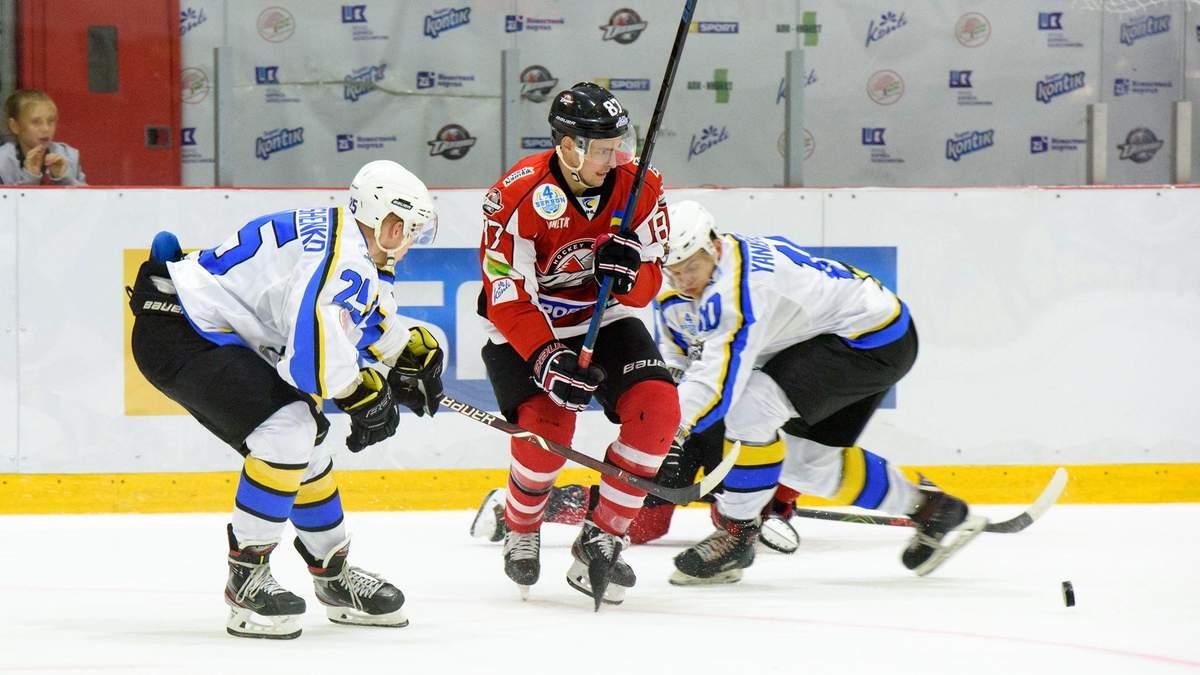 """""""Донбас"""" і """"Дніпро"""" влаштували  справжній хокейний трилер у матчі-відкритті УХЛ: відео"""