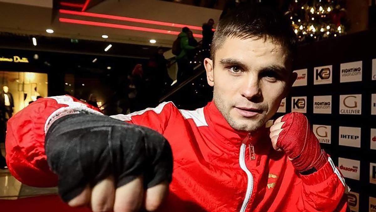 Украинец Митрофанов брутально нокаутировал соперника, боксера вынесли с ринга на носилках: видео