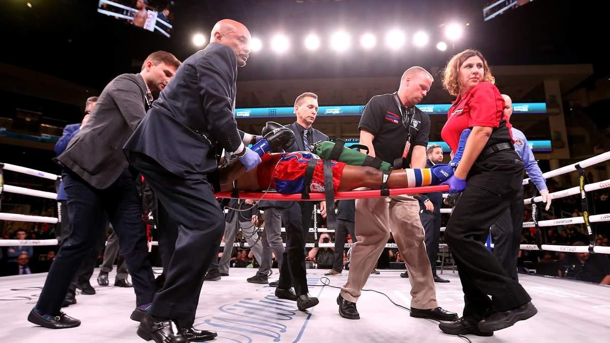 Патрік Дей покинув ринг на ношах