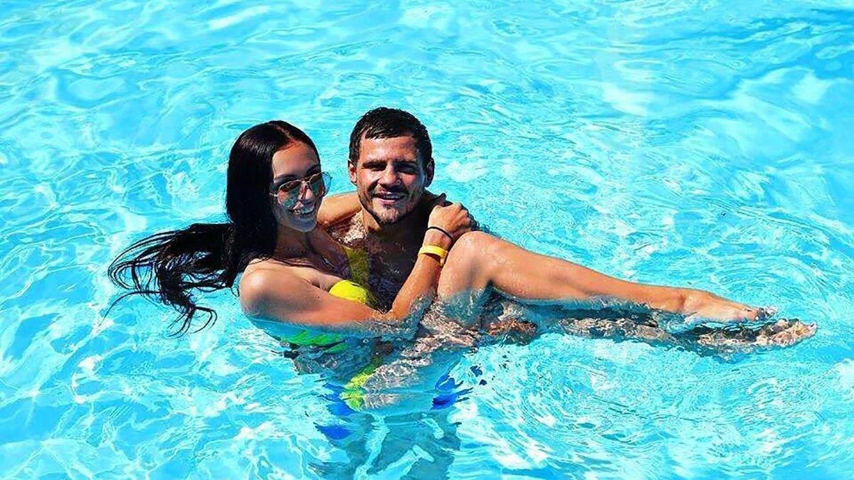 Денис Берінчик з дружиною