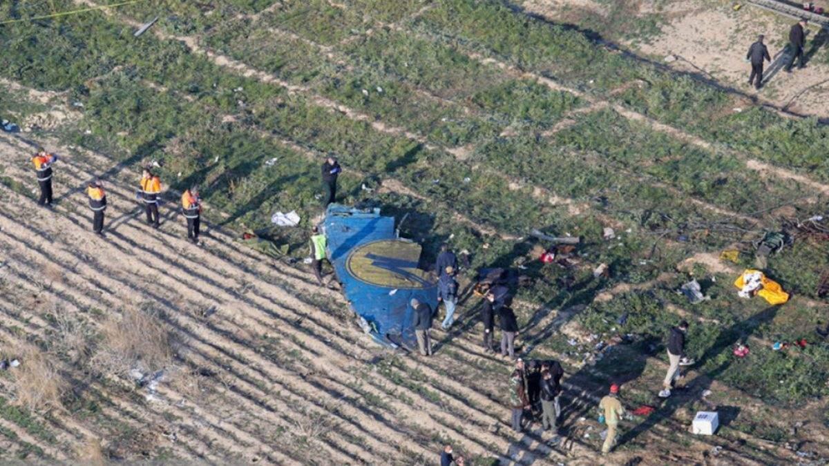 Место крушения самолета МАУ в Иране