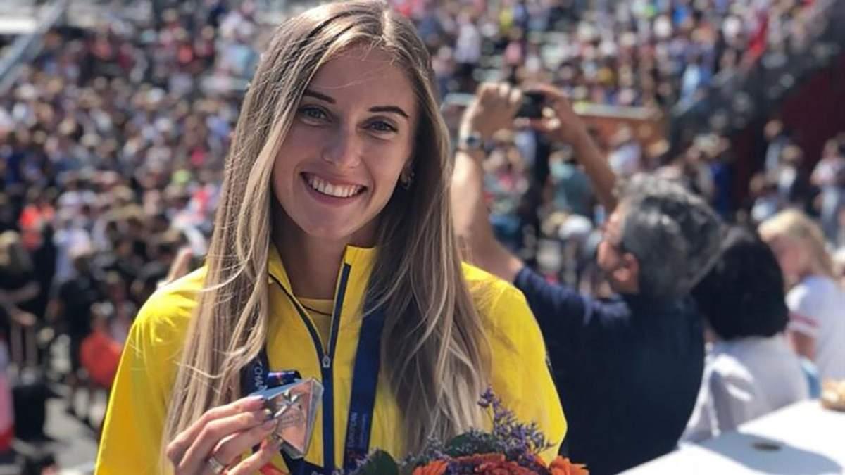 Українська легкоатлетка-красуня Рижикова показала накачаний прес