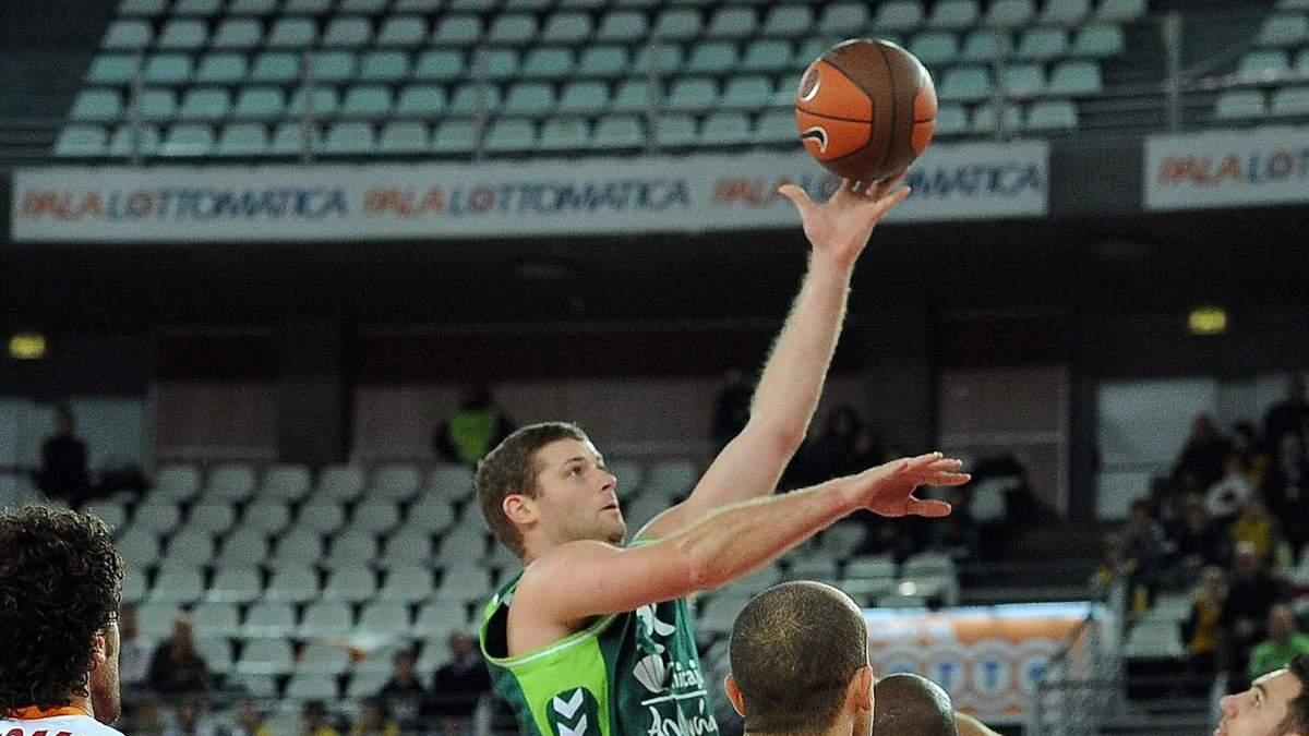 Бывшая звезда чемпионата Украины по баскетболу Арчибальд неожиданно умер в 39 лет