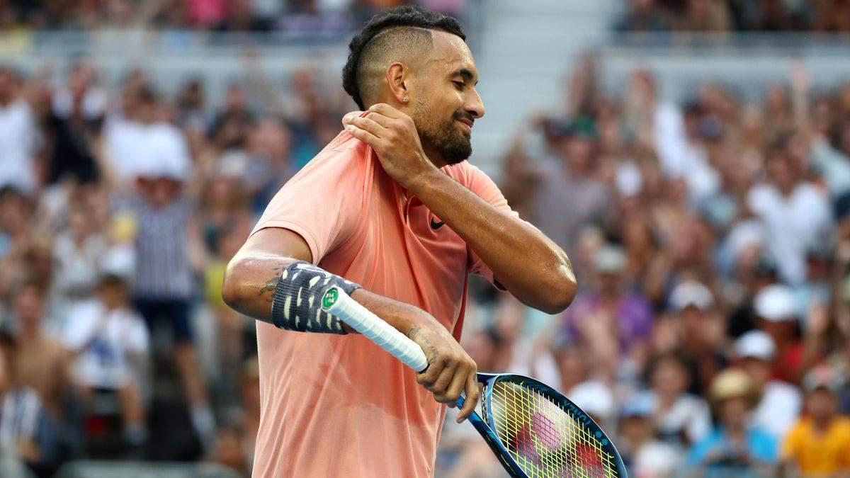 """Ти що, дурний? Зірковий тенісист """"гаряче"""" поговорив з арбітром на Australian Open – відео"""