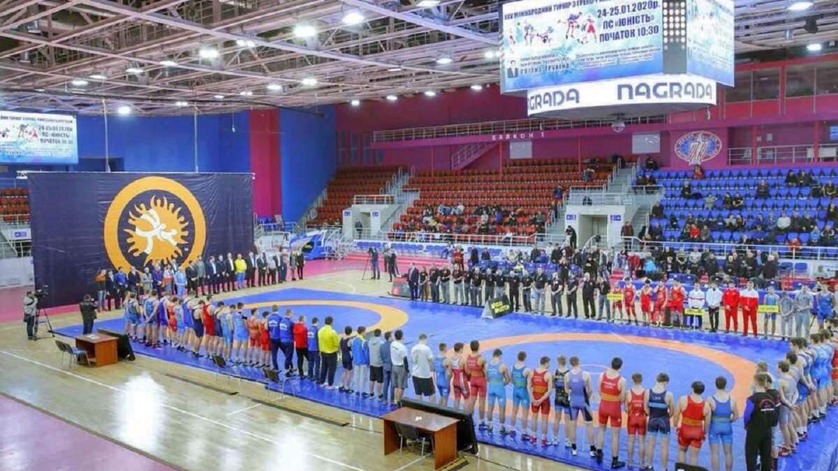 Украинский борец Сулимов сенсационно победил чемпиона мира из Армении – видео
