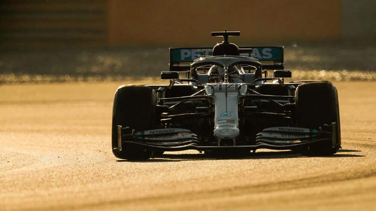 Новий болід Mercedes