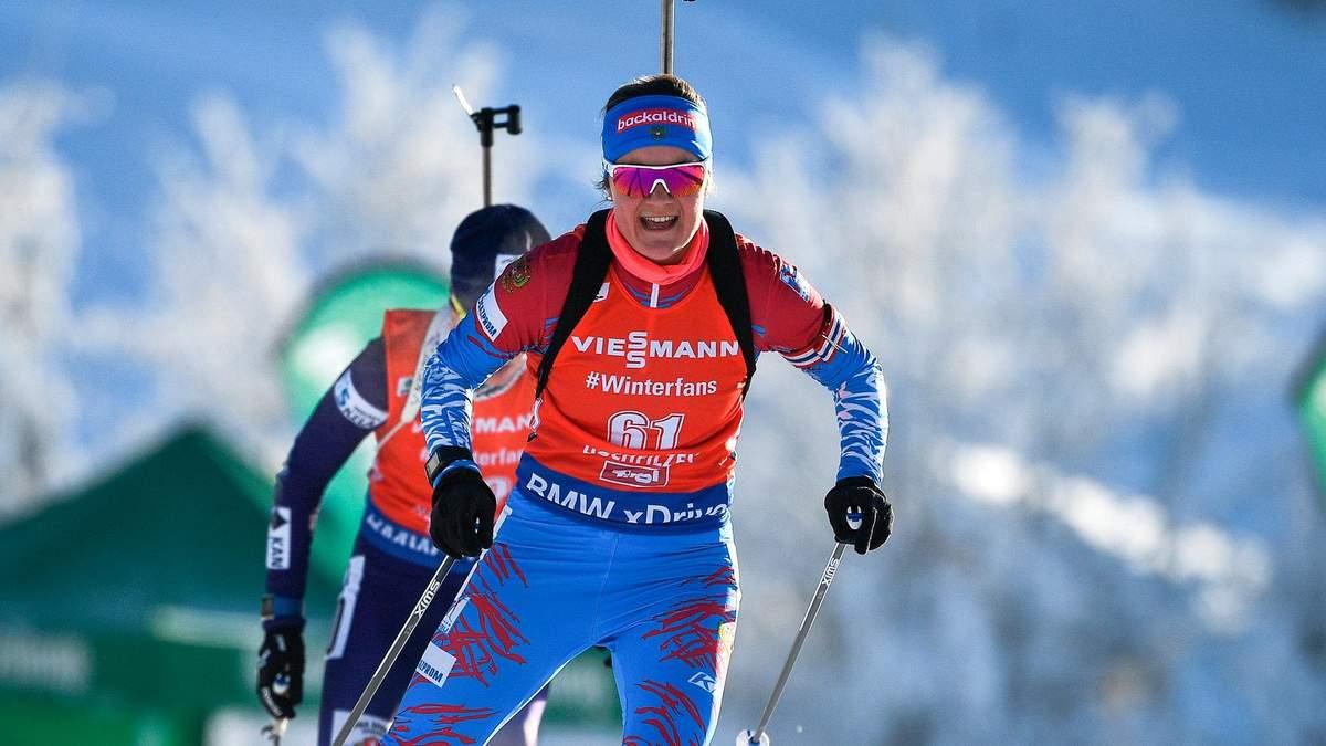 Российская биатлонистка забавно упал в борьбе с украинкой Семеренко: видео