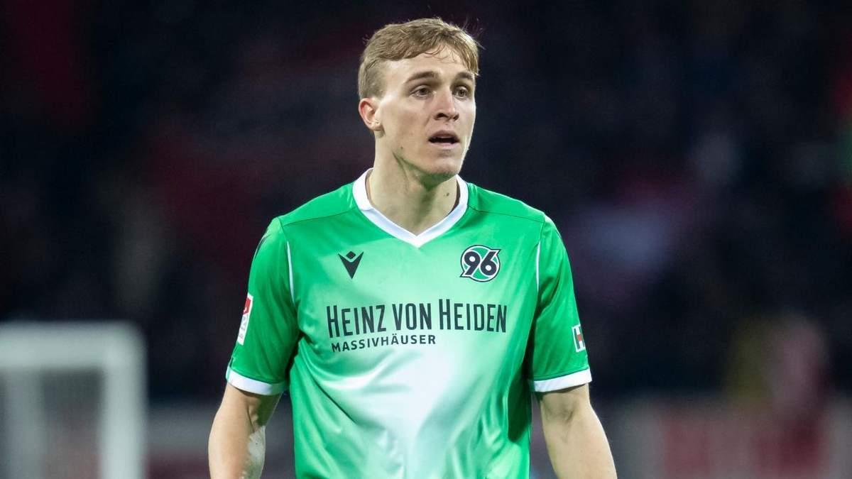 Офіційно: перший німецький футболіст Тімо Хюберс захворів на коронавірус