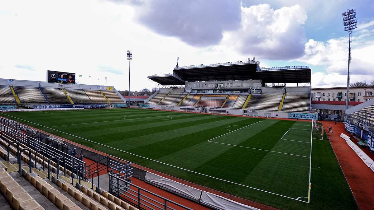 Стадіони без уболівальників – стадіони без душі: що тренери УПЛ думають про матчі без глядачів