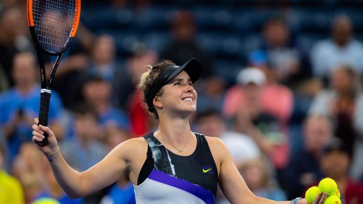 Жонглювання туалетного паперу на ракетці: тенісисти підтримали кумедний челендж – відео