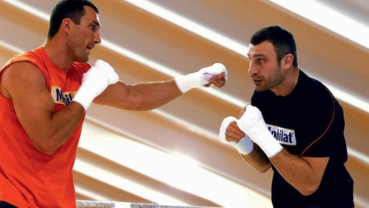 Братья Кличко вышли в ринг друг против друга: сенсационное видео боя