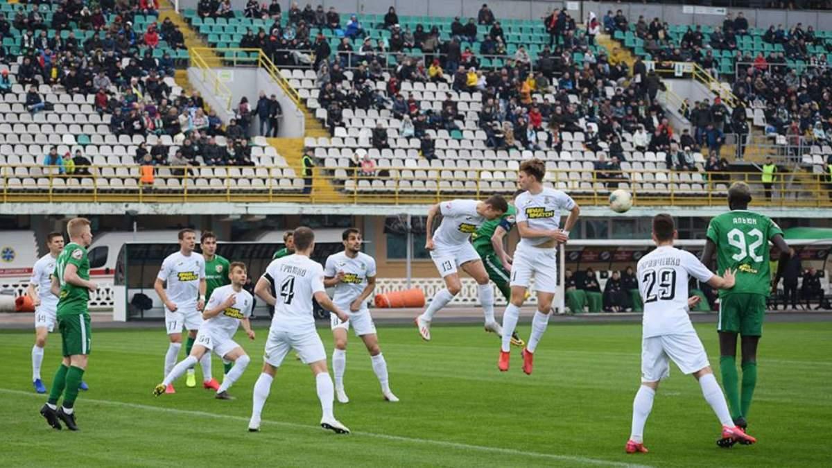 Украинские клубы планируют вдвое сократить зарплату футболистам из-за карантина