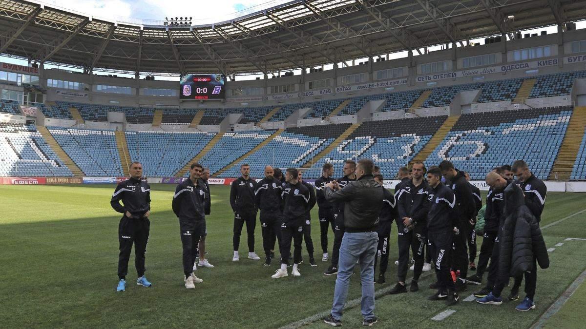 Українські клуби не хочуть платити зарплати футболістам