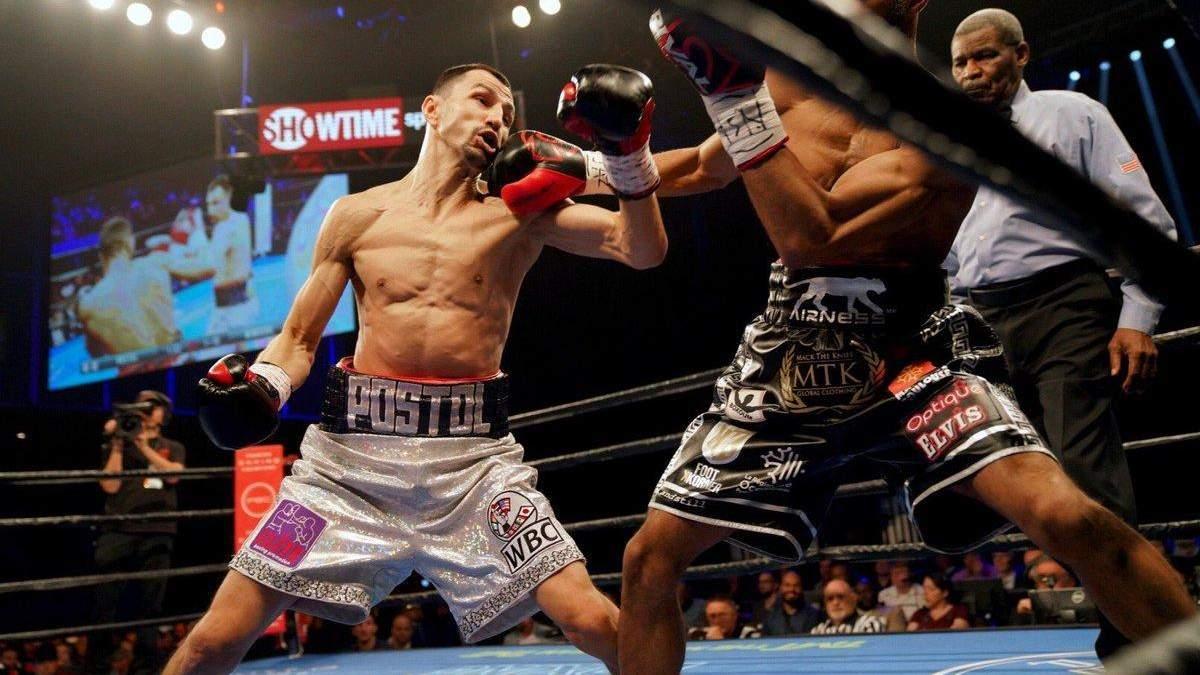Бій українця Постола за титули WBC і WBO знову перенесли