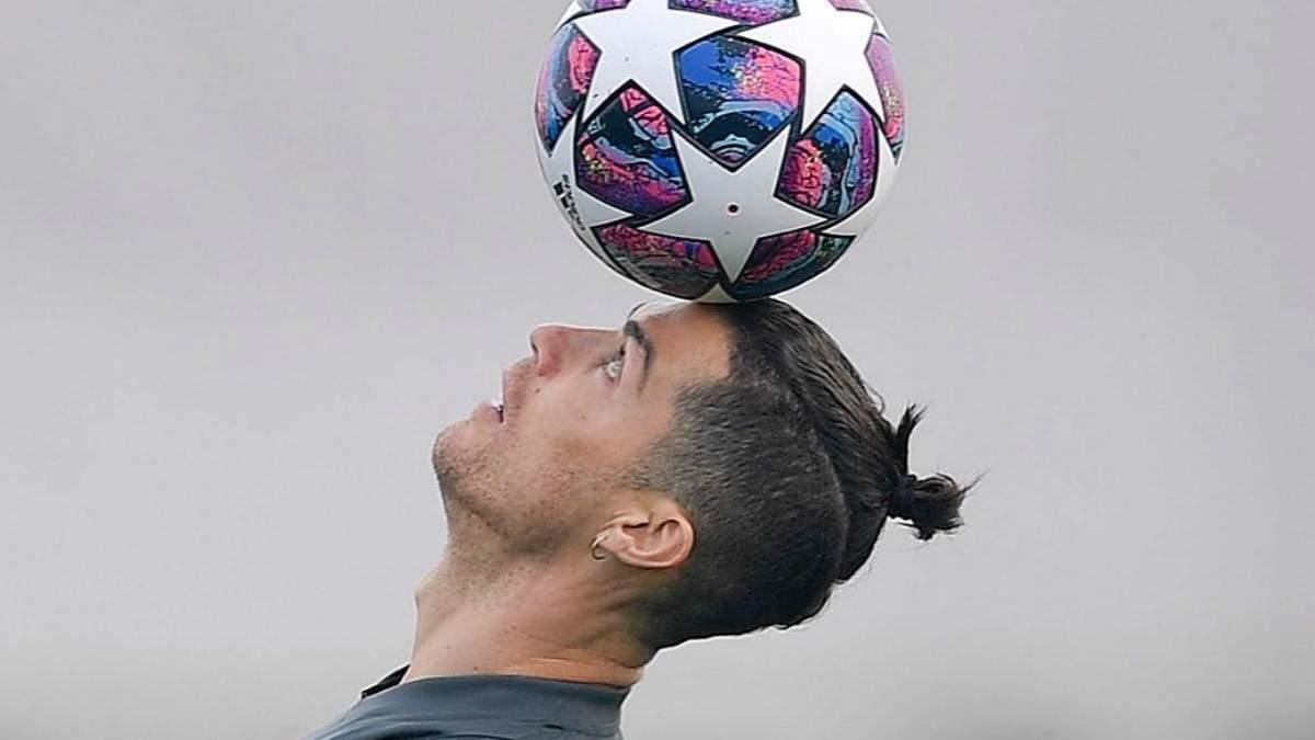 Девушка Роналду подстригла футболиста прямо дома во время карантина: видео