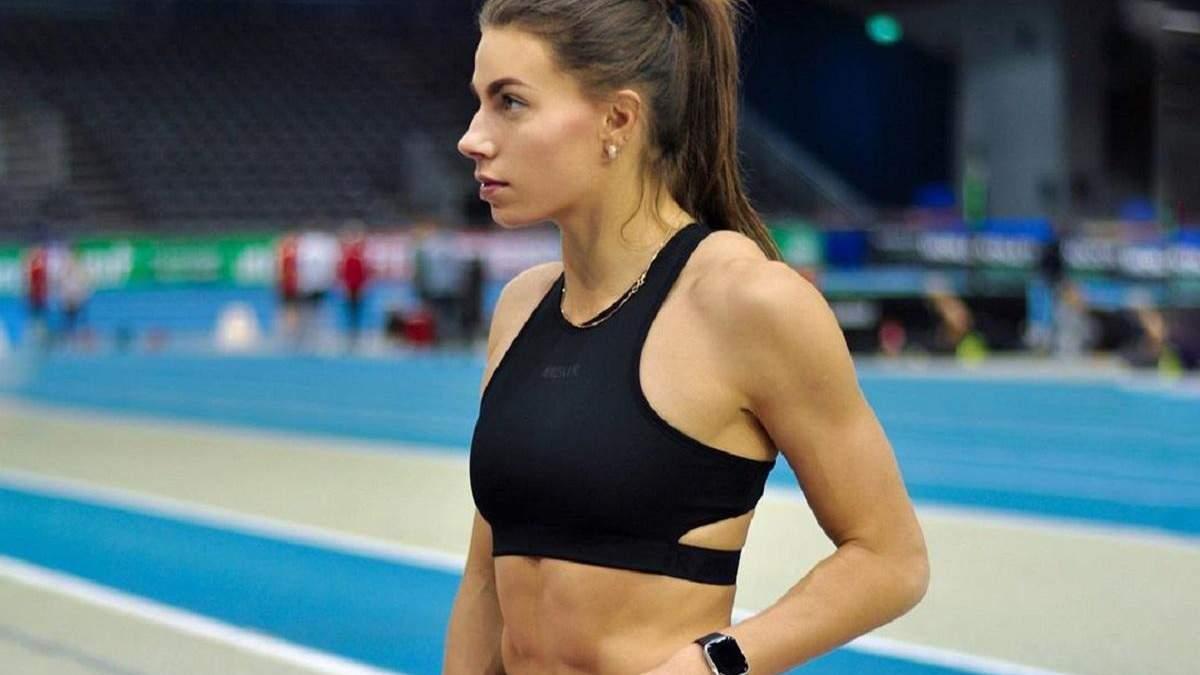 Спокуслива Бех-Романчук поділилася ефективним тренуванням сідниць: відео