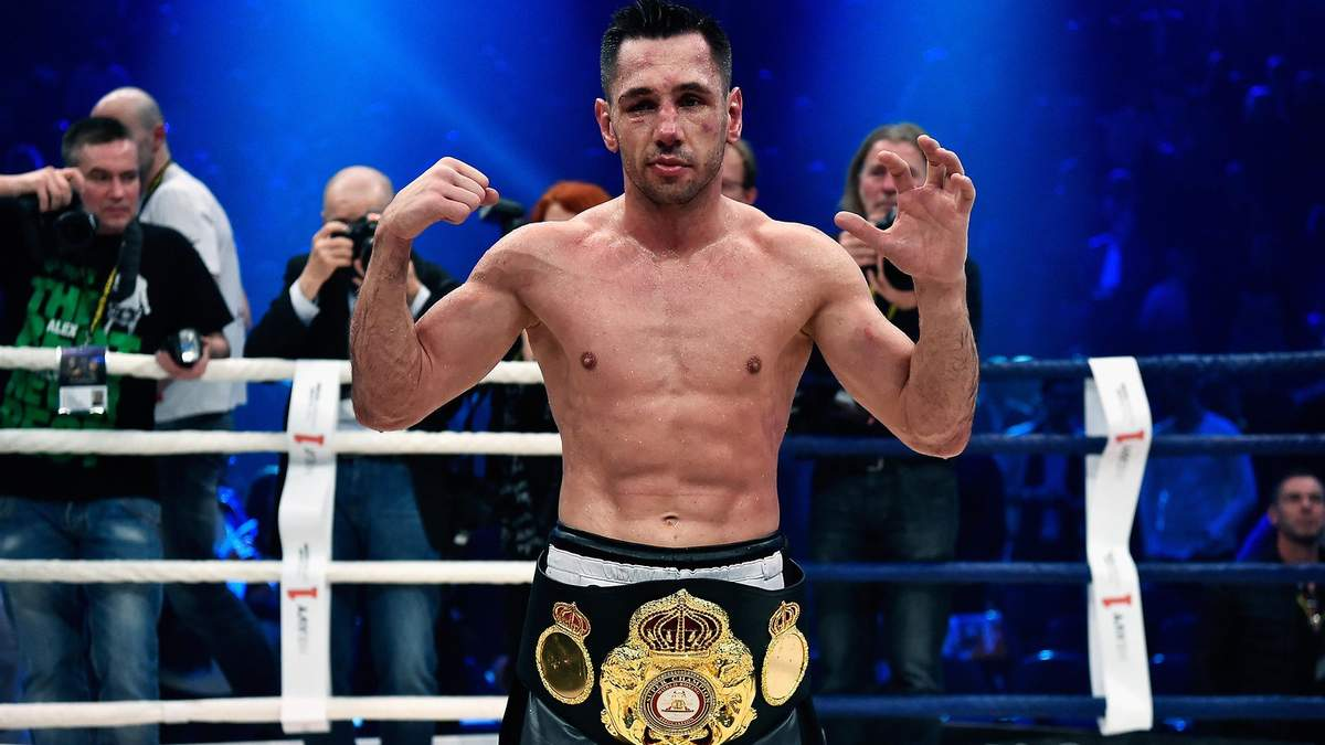Легендарний чемпіон світу з боксу отримав 3 роки ув'язнення