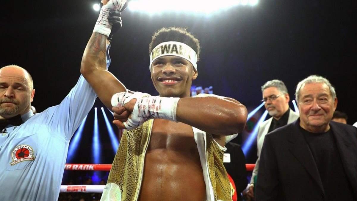Бокс повертається: Стівенсон в елегантному стилі нокаутував суперника – відео