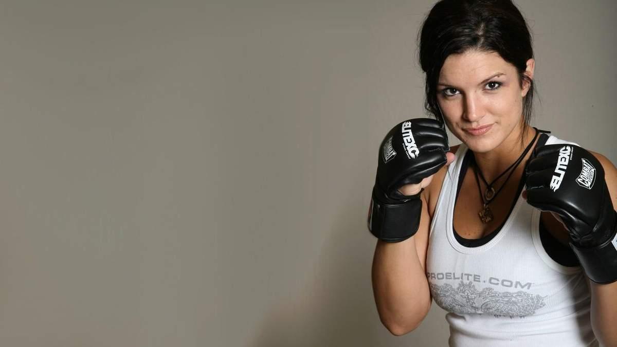 Бывшая звезда MMA Джина Карано обнажила пышную грудь: горячее фото