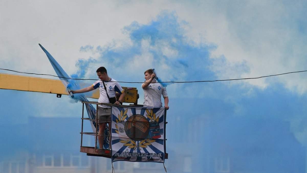 Чи дозволять вболівальникам відвідувати футбольні матчі в Україні: відповідь МОЗ