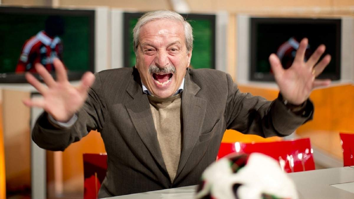 """Гучні крики та сльози: журналіст надемоційно зустрічав голи """"Мілана"""" – кумедне відео"""