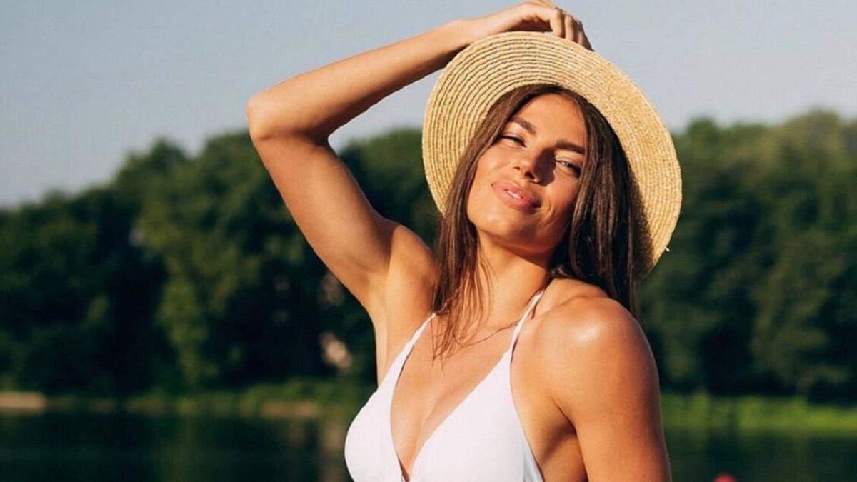 Красуня Бех-Романчук зачарувала неперевершеною фігурою у купальнику: фото